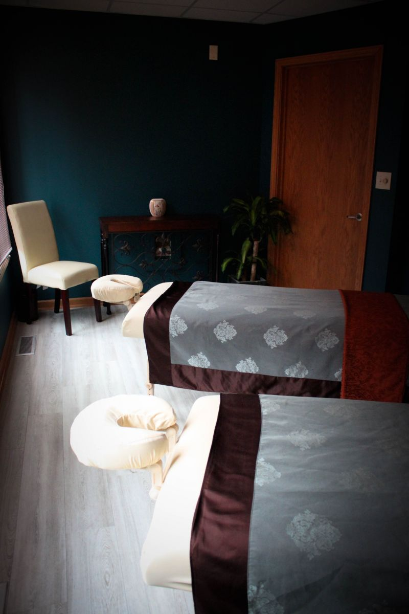 Couples Massage in Akron Ohio